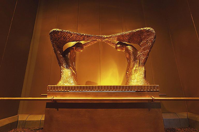 cherubim angels ark of the covenant