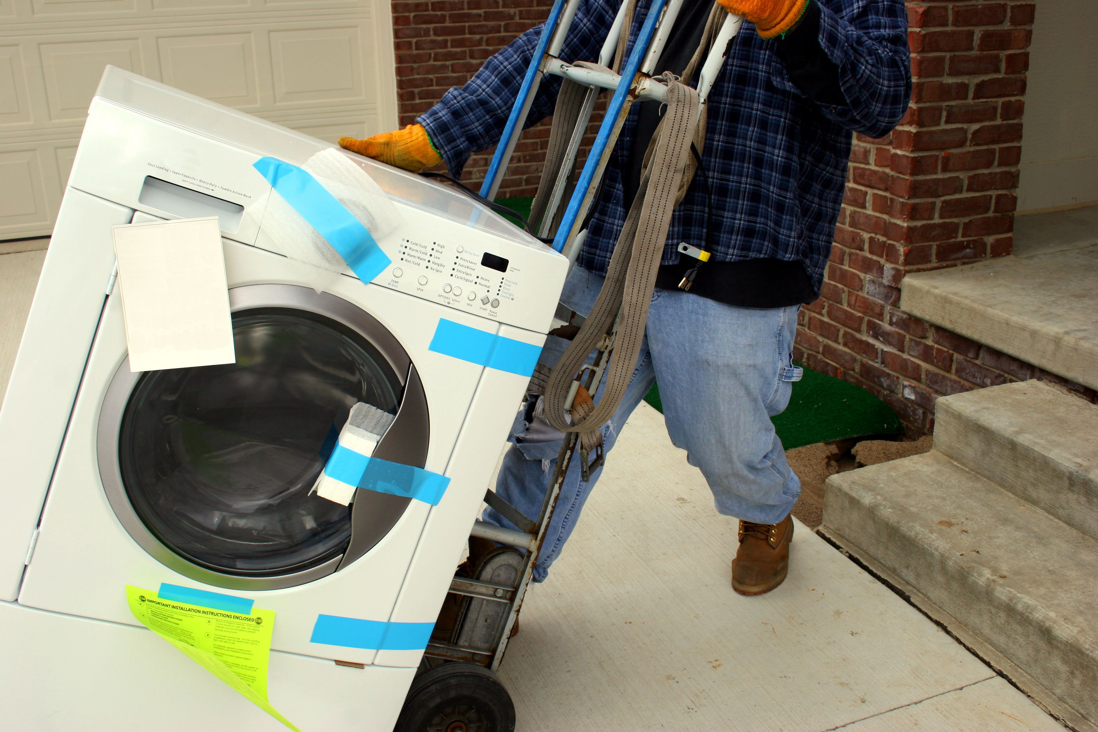 How To Disconnect And Move A Clothes Washer