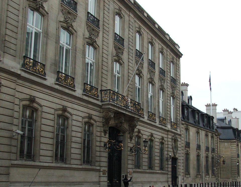 British_US_embassy_Paris_7455.jpeg