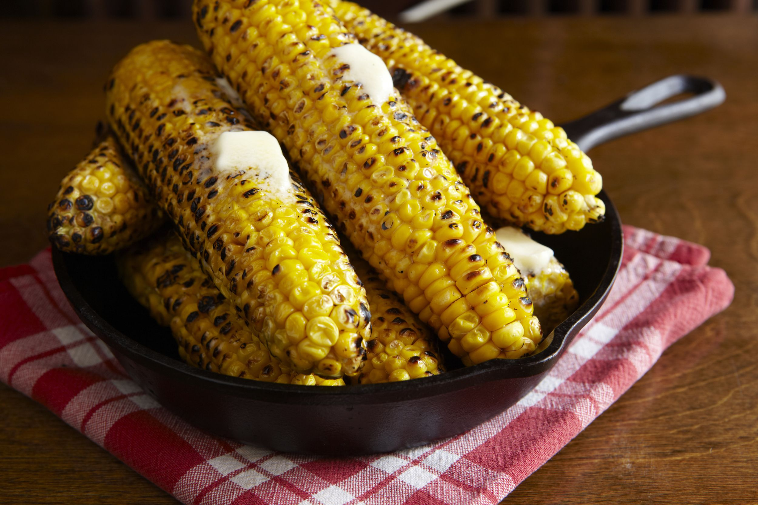 A guide to grilling corn on the cob to perfection four or five easy ways to cook corn on the cob ccuart Gallery