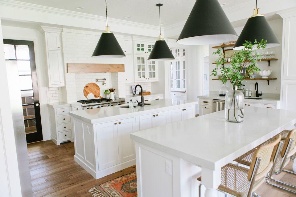 Gorgeous modern farmhouse kitchens for White modern farmhouse