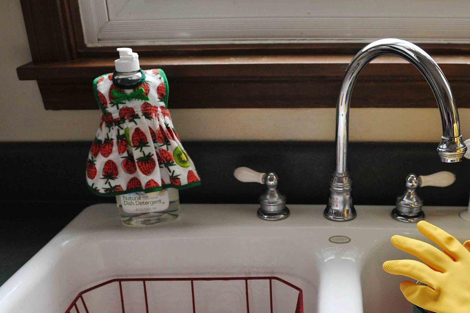 Dish Soap Bottle Apron