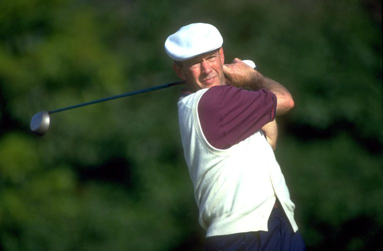 3-time major championship winner Larry Nelson plays on the PGA Tour in 1993.
