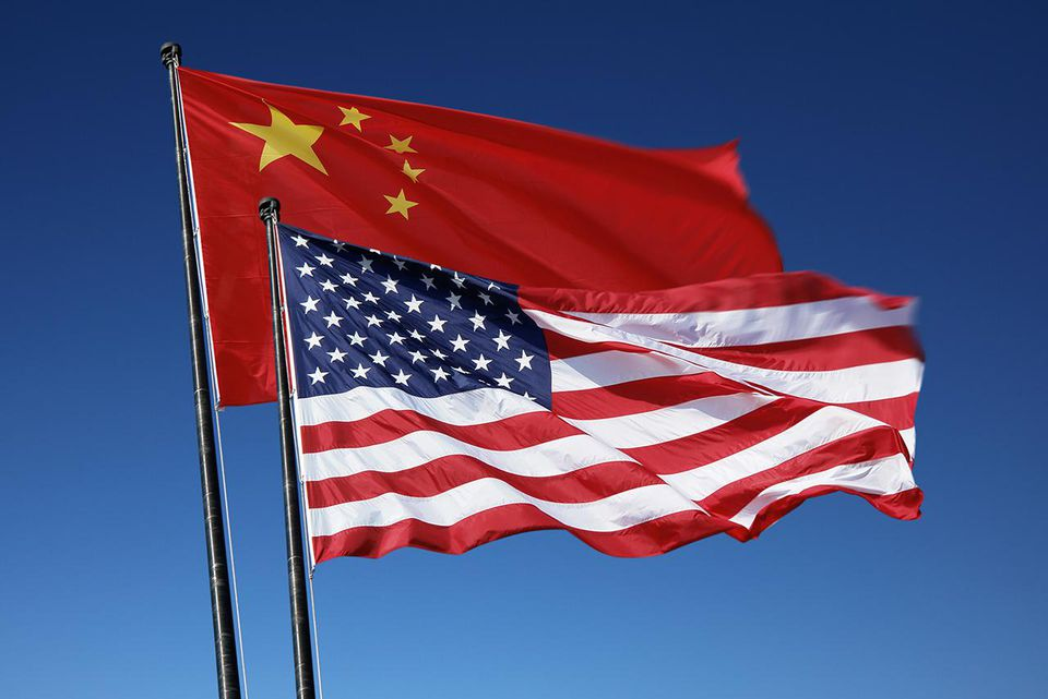 Flags of the USA and China
