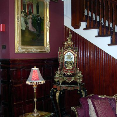 Braving the haunted Queen Anne Hotel