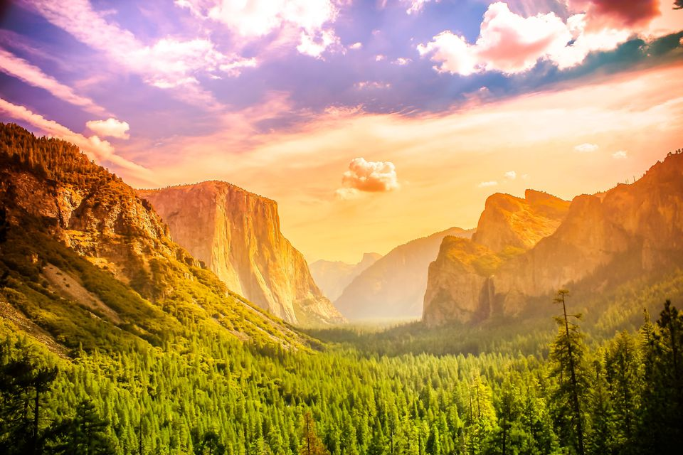 A tunnel view of Yosemite National Park at noon.
