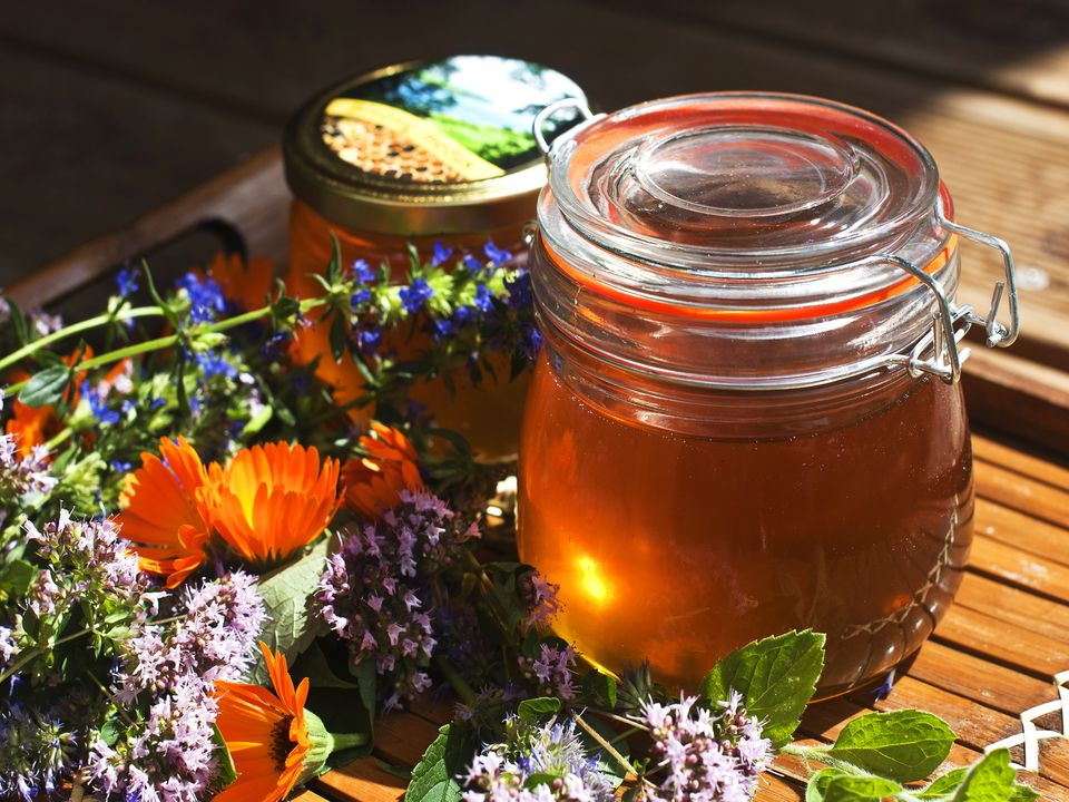 honeyflowers_getty2400.jpg