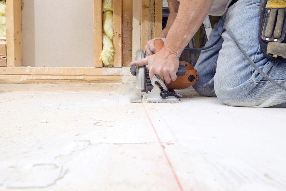 Cutting Plywood Subfloor With Circular Saw 185001220