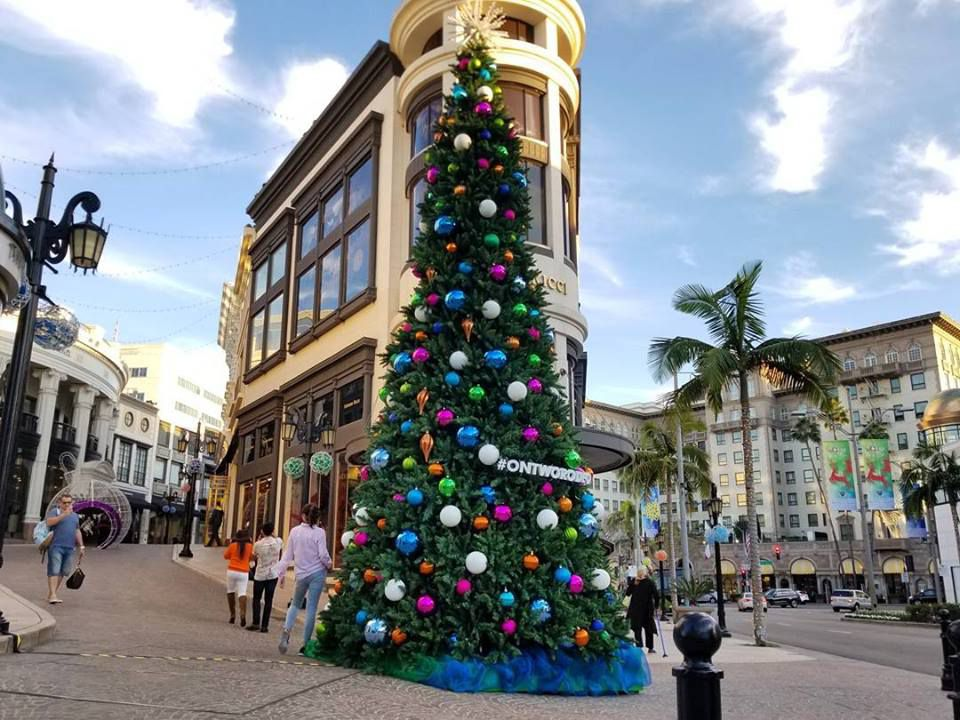 Christmas Tree Lightings And Shopping Events In Los Angeles