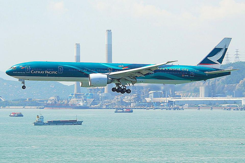 1024px-Cathay_Pacific_Boeing_777-300ER;_B-KPF@HKG;31.07.2011_614oq_-6053398096.jpg