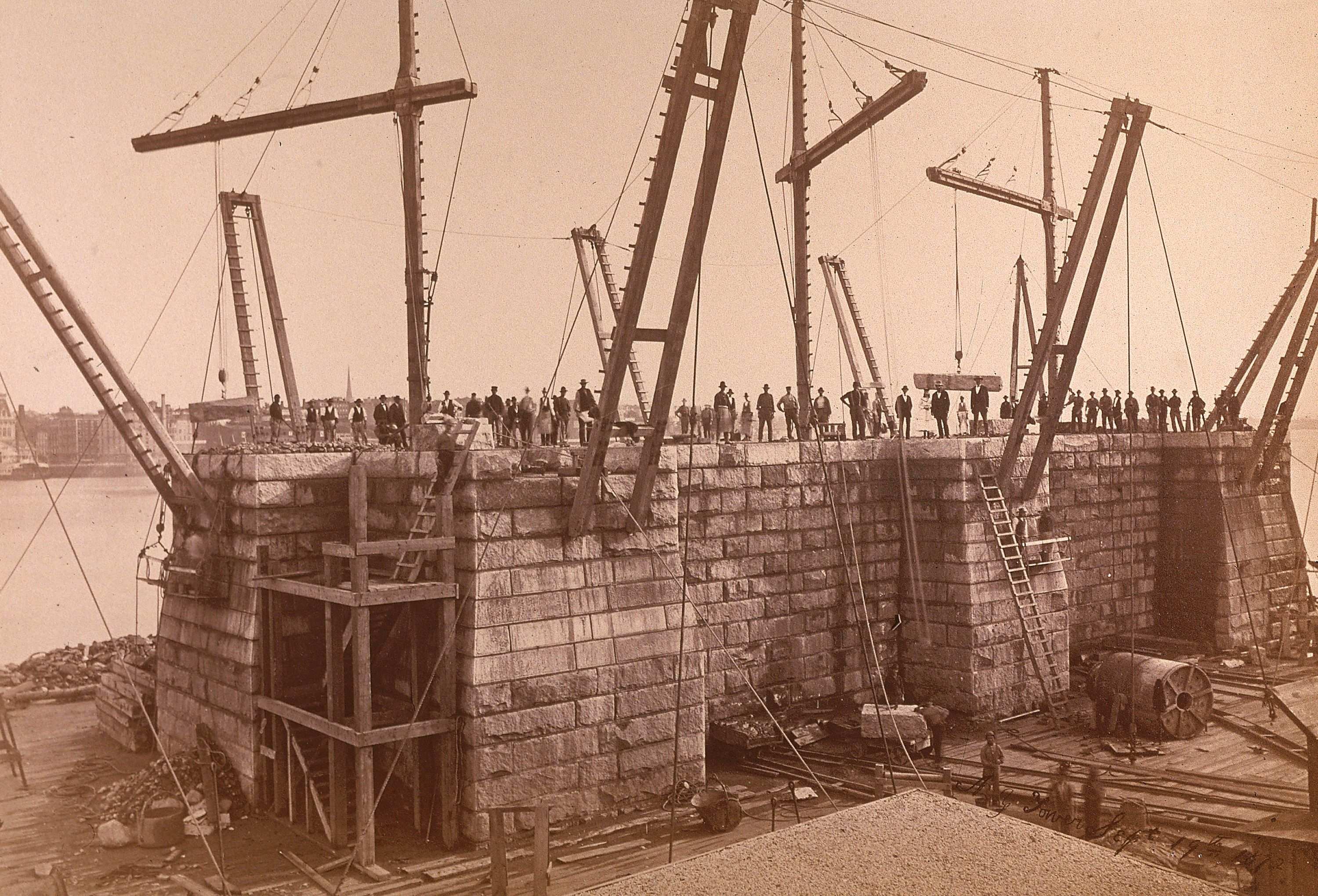 vintage images of brooklyn bridge construction