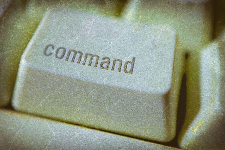 Command key on keyboard
