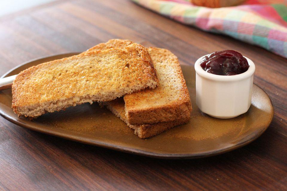 Whole Wheat Bread With Cornmeal