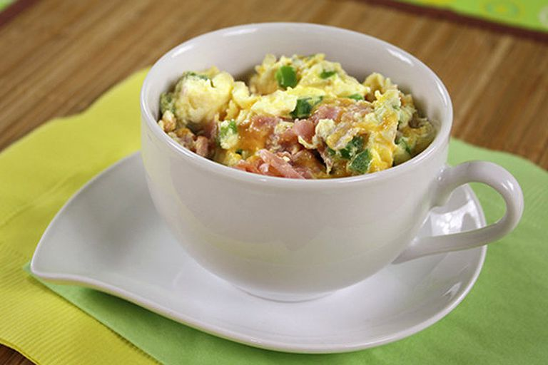 Healthy Breakfasts Made in a Mug: Denver Omelette in a Mug