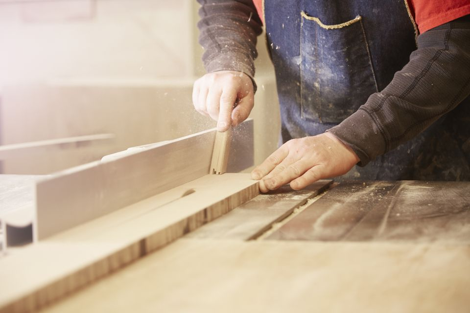 Table saw cabinet maker
