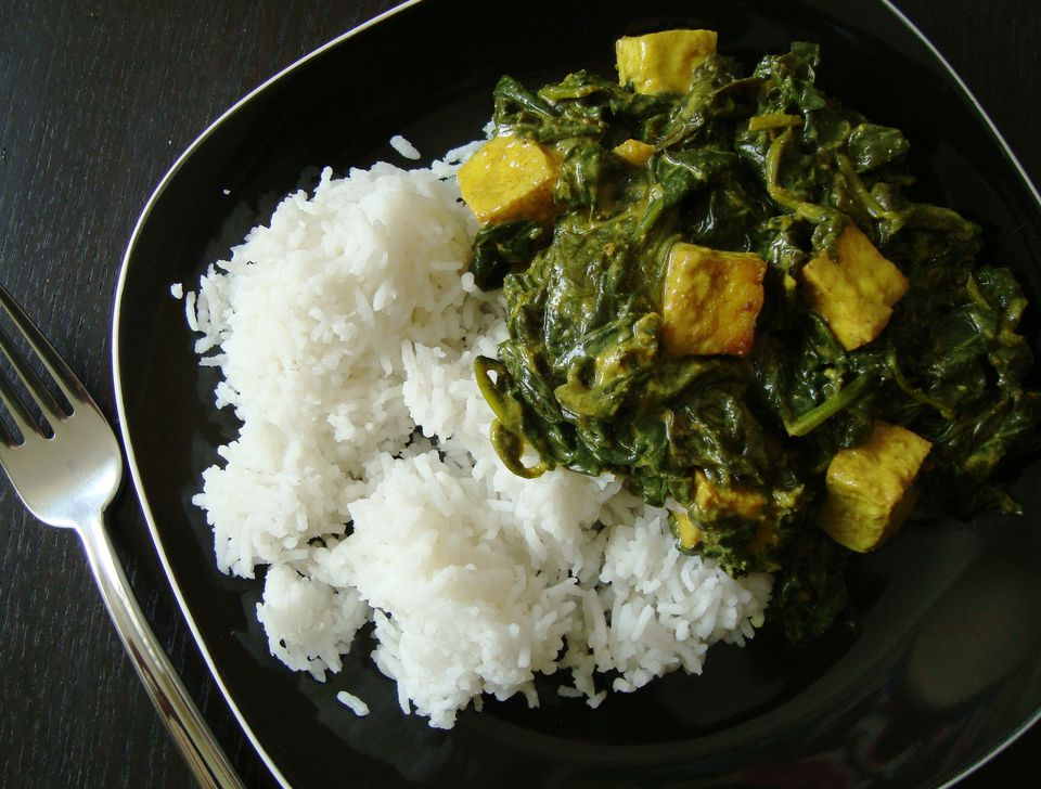 Vegan palak paneer with tofu - an Indian classic, veganized