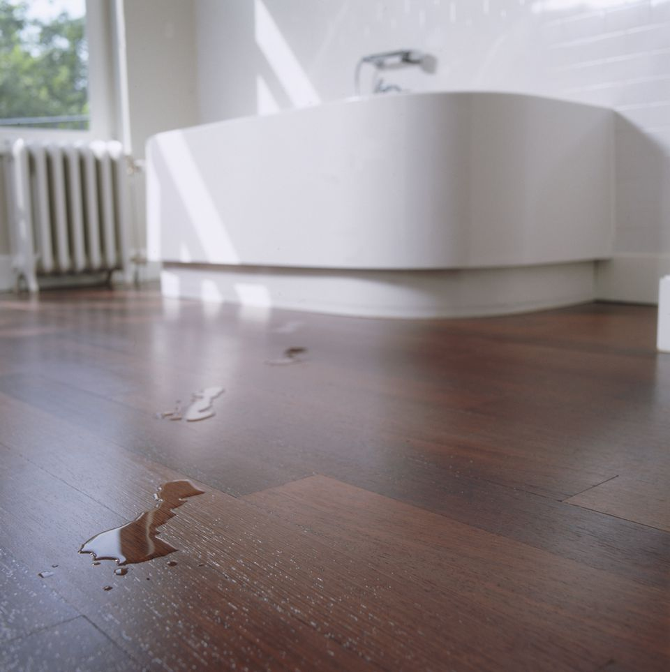 Hardwood flooring for bathrooms what to consider for Laminate flooring bath