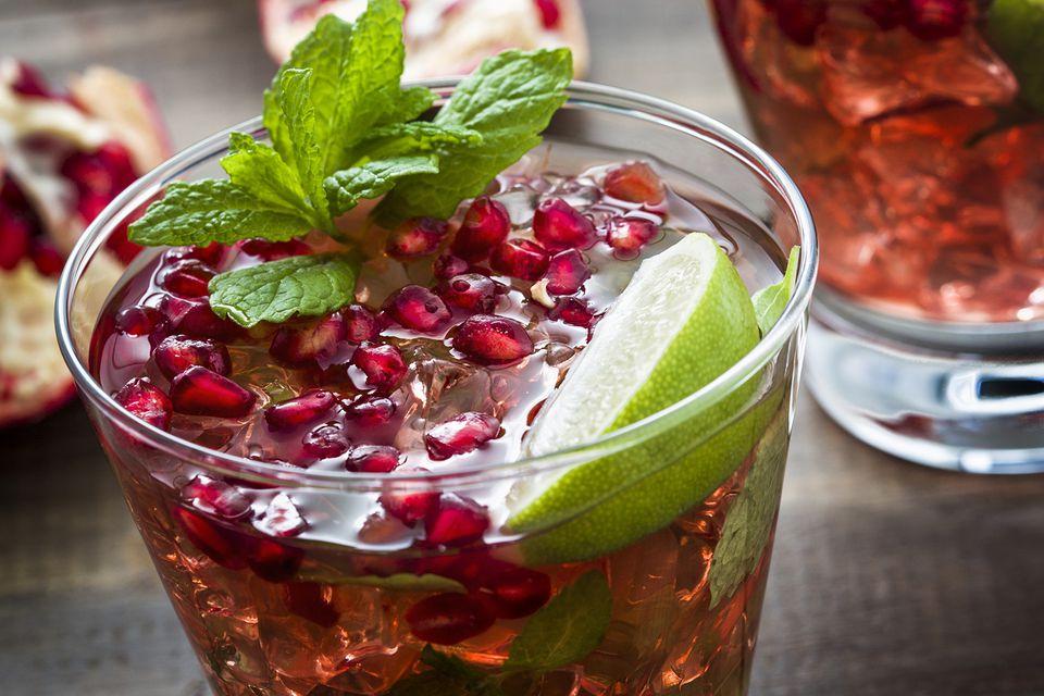 Holiday Pomegranate Mojito Mocktail Recipe