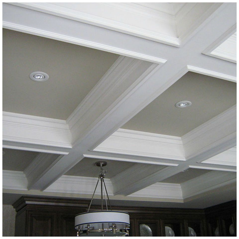 Decorative ceiling ideas for every style of home for Tips for painting ceiling