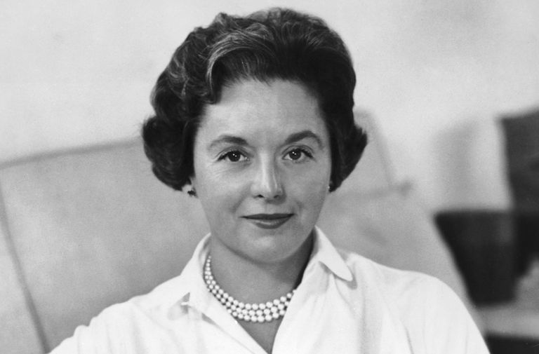 Black and white photo of businesswoman Florence Knoll in the mid-1950s