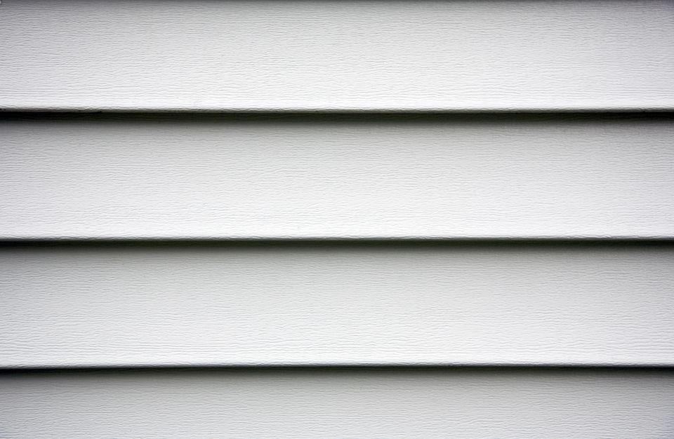 How To Use A Zip Tool To Remove Vinyl Siding For Replacement