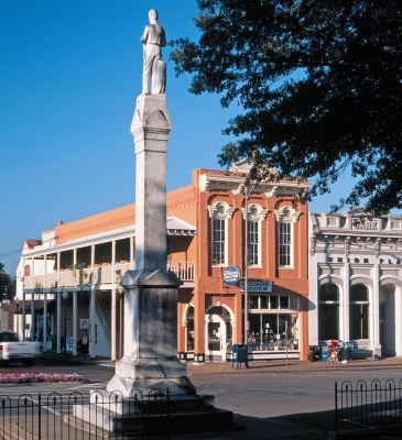 Photo of Oxford MS Town Square