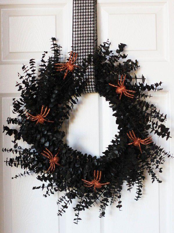 DIY Painted Spiders Wreath