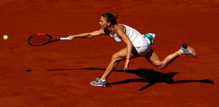Panoramic photo of tennis player