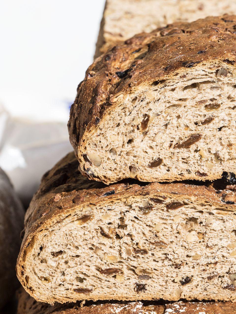 Easy Russian / Latvian Rye Bread Recipe - Rizhsky Khleb
