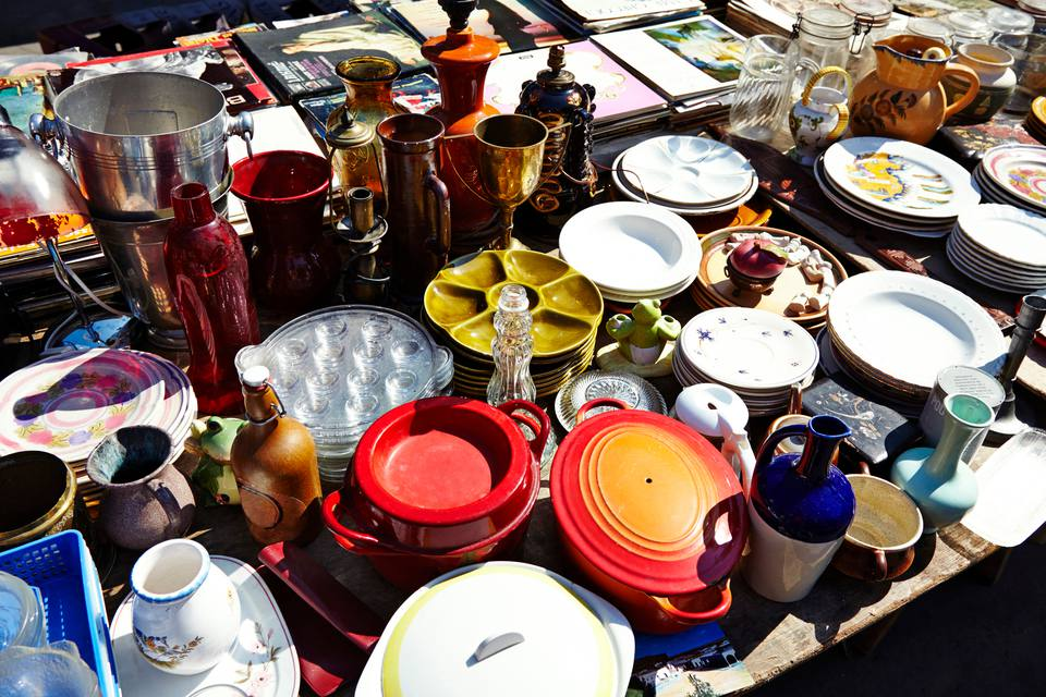 Vintage housewares and home accessories at a flea market
