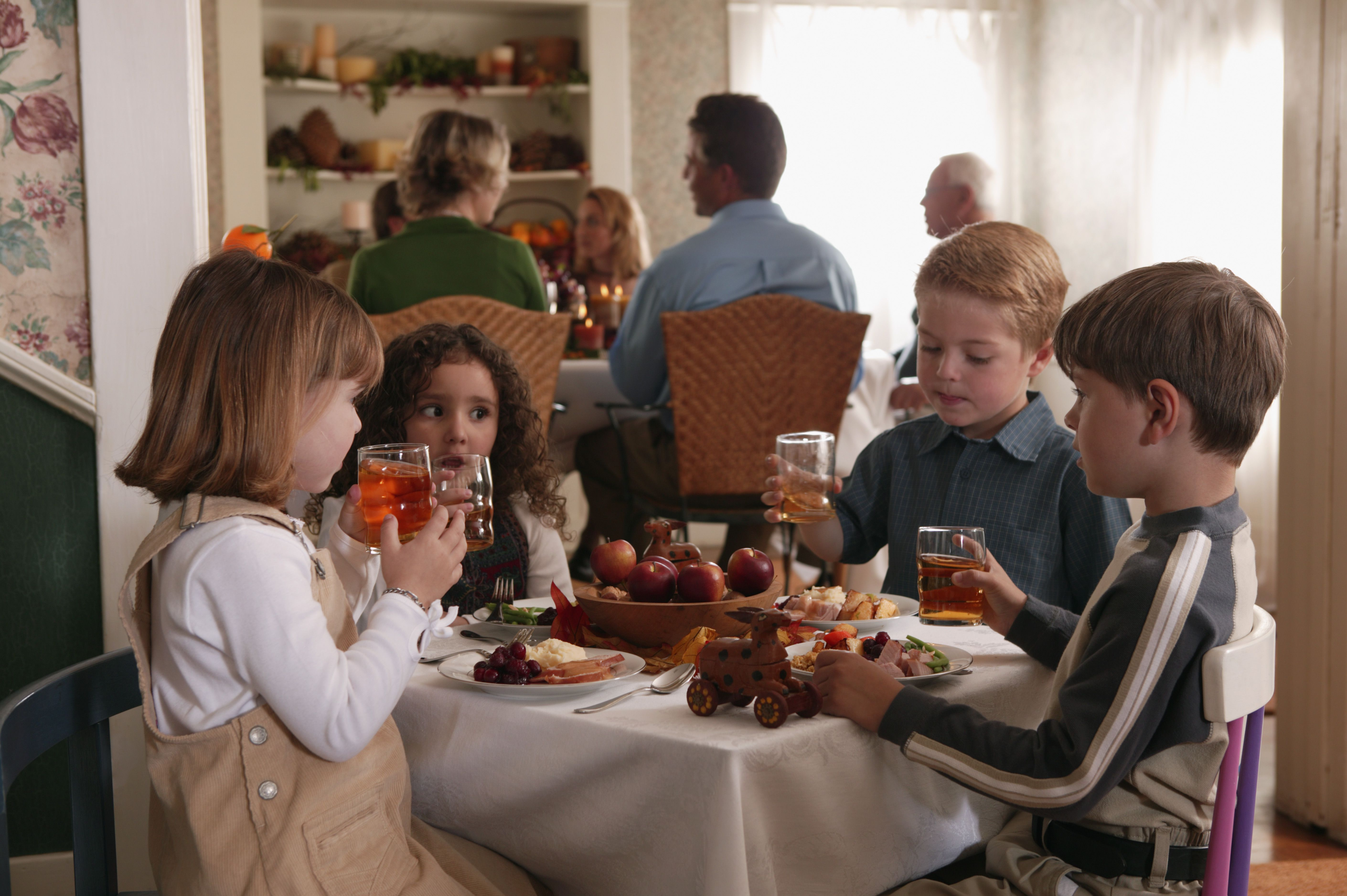 Games For Kids To Play At The Thanksgiving Table