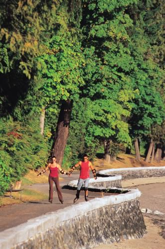 Rollerblading on the Stanley Park's Seawall, Stanley Park Vancouver