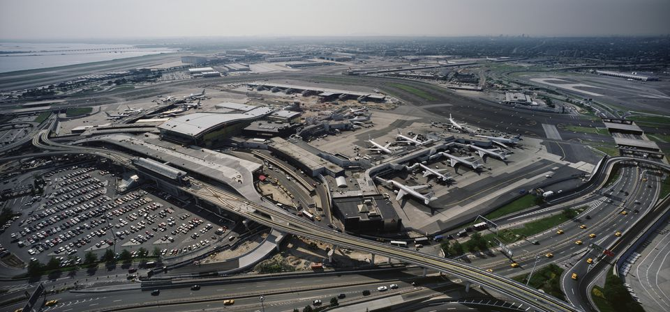 Jfk airport arrivals departures and terminals for Hotels near jf kennedy airport