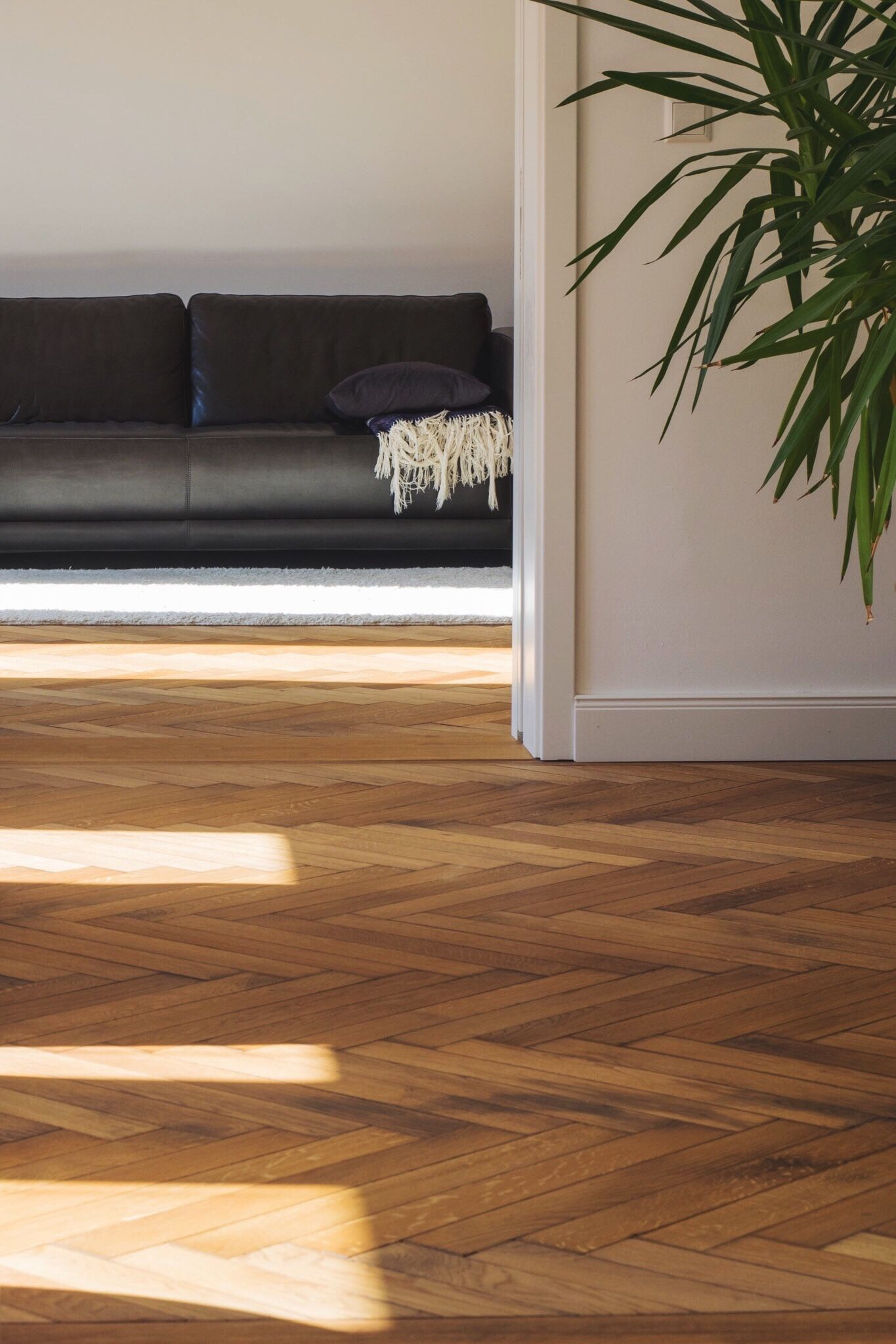 need to update your living room laminate floors are a great option - Laminate Flooring Ideas Living Room