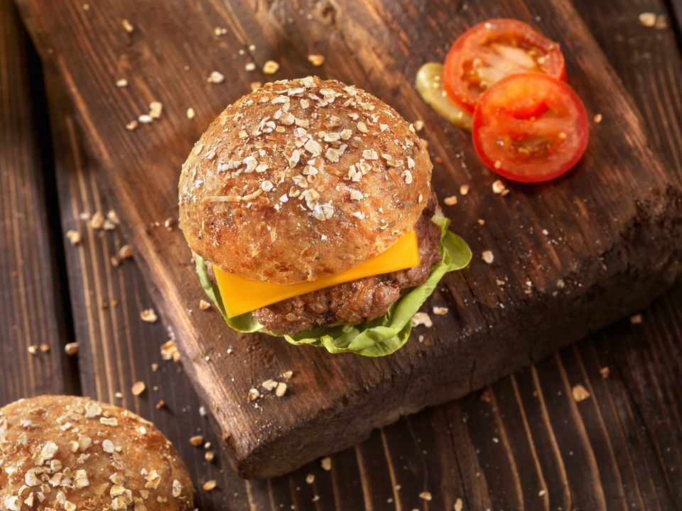 CheeseBurger with Lettuce and Tomato