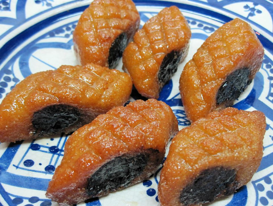 Makrout-with-Dates-and-Honey-4000-x-3000.jpg