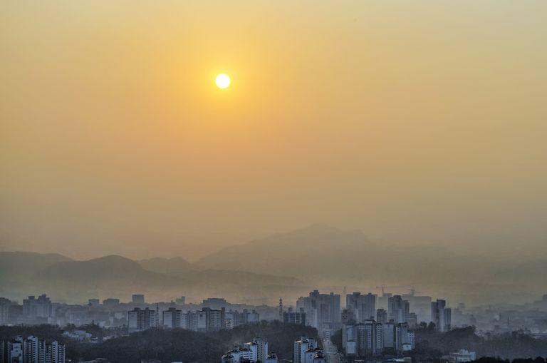 A smoky day of a city