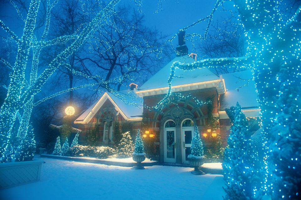 25 outdoor christmas decoration ideas in pictures winter scene at nighttime with snow christmas lights and house aloadofball Image collections