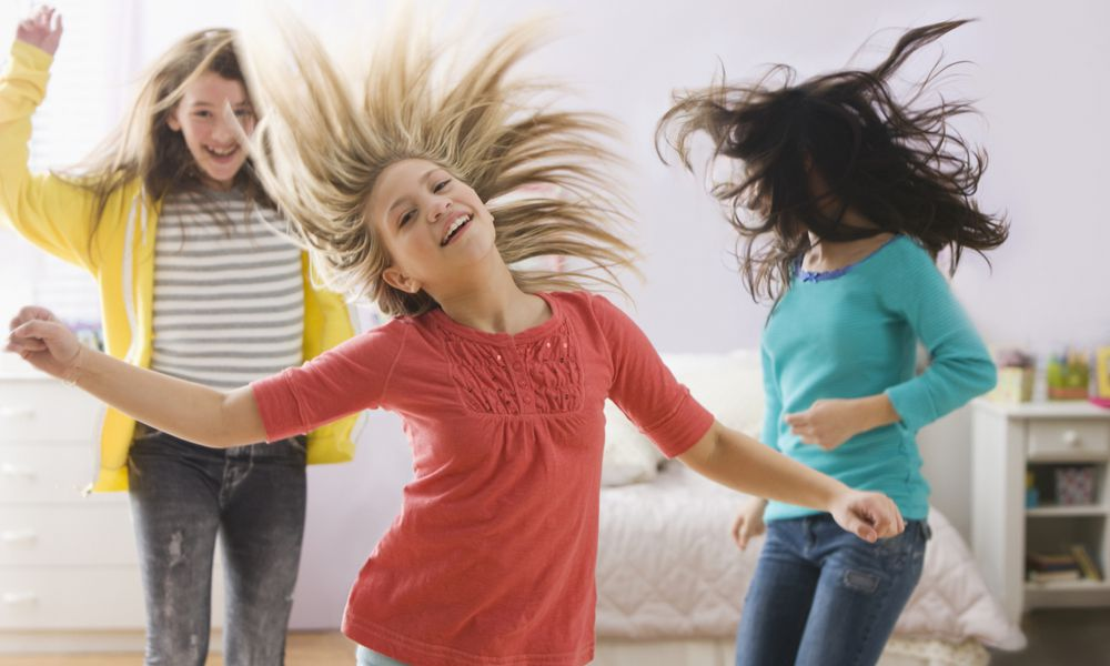Girls dancing - a fun indoor activity for teens