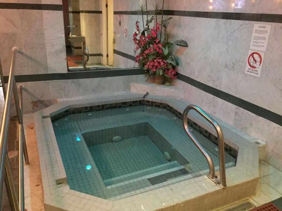Jacuzzi tub at River Street Club gay sauna