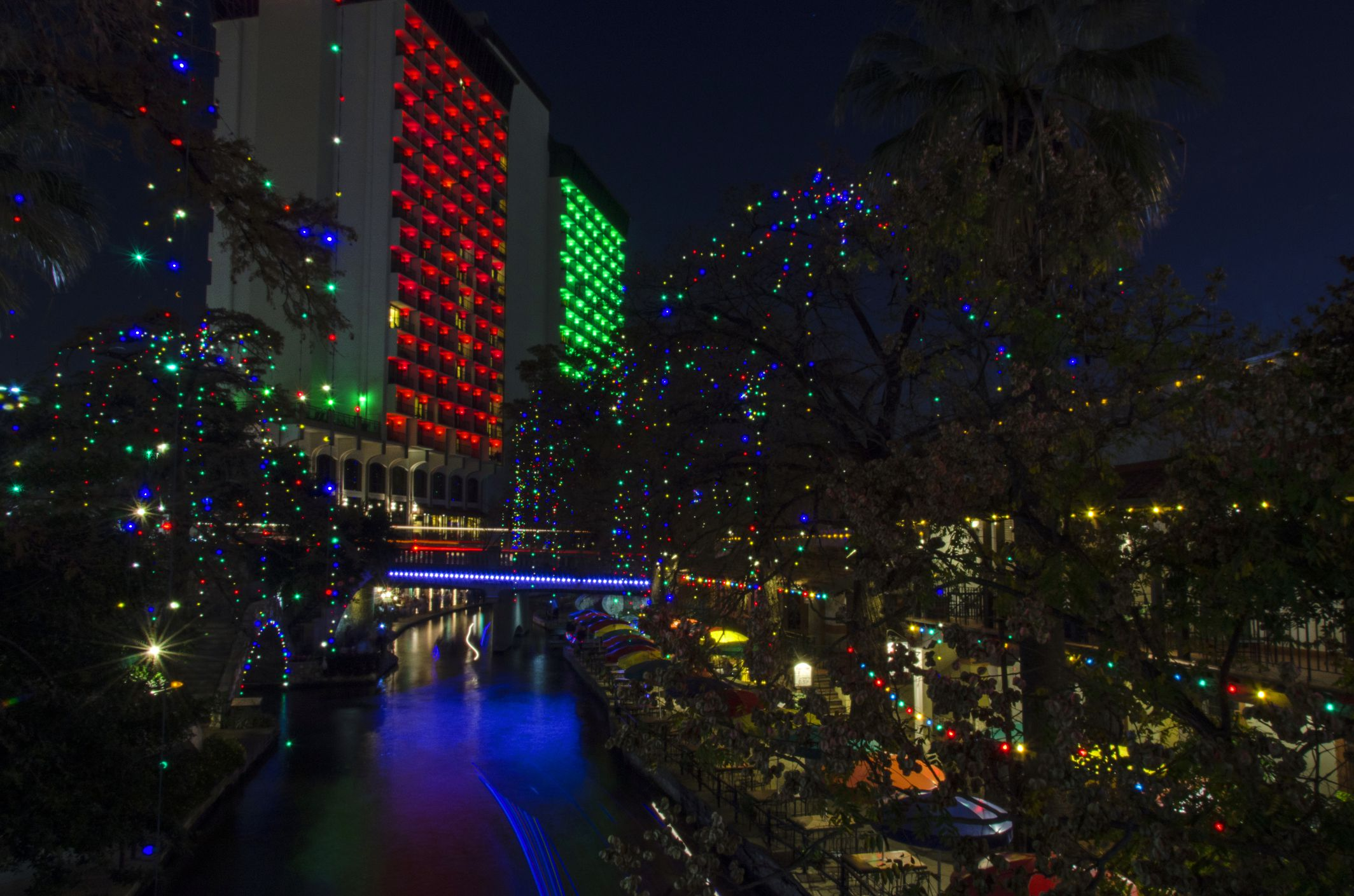San antonio 39 s river walk at christmas for H r motors san antonio