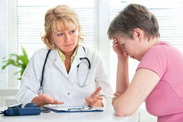 doctor-news-to-patient.jpg