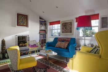 What Are Primary Colors? Living Room Ideas