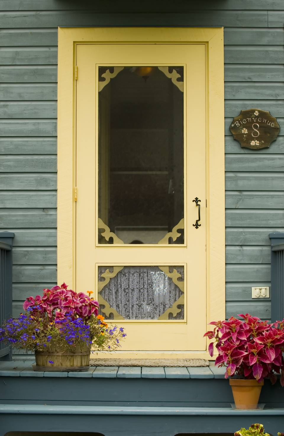 Vibrant yellow paint ideas for front doors for Front door yellow paint