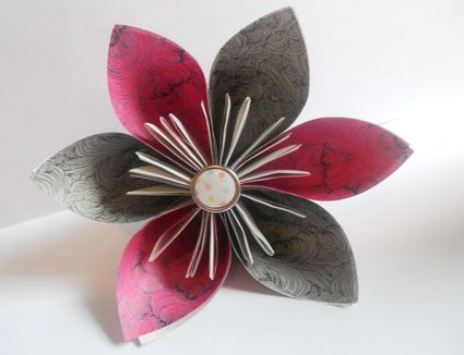 Origami beginner projects 7 steps to a pretty origami kusudama flower mightylinksfo Choice Image