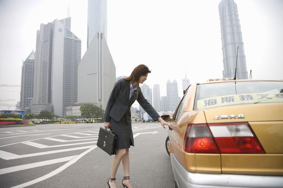 single lady traveler china