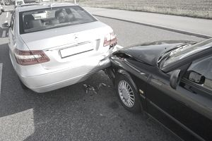 A rear-end collision in horizontal format