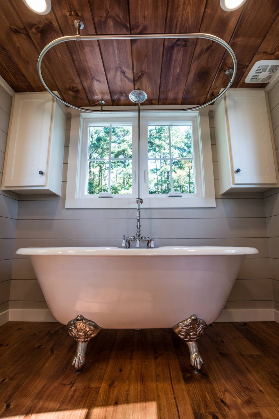 Rustic Bathrooms With Clawfoot Tubs