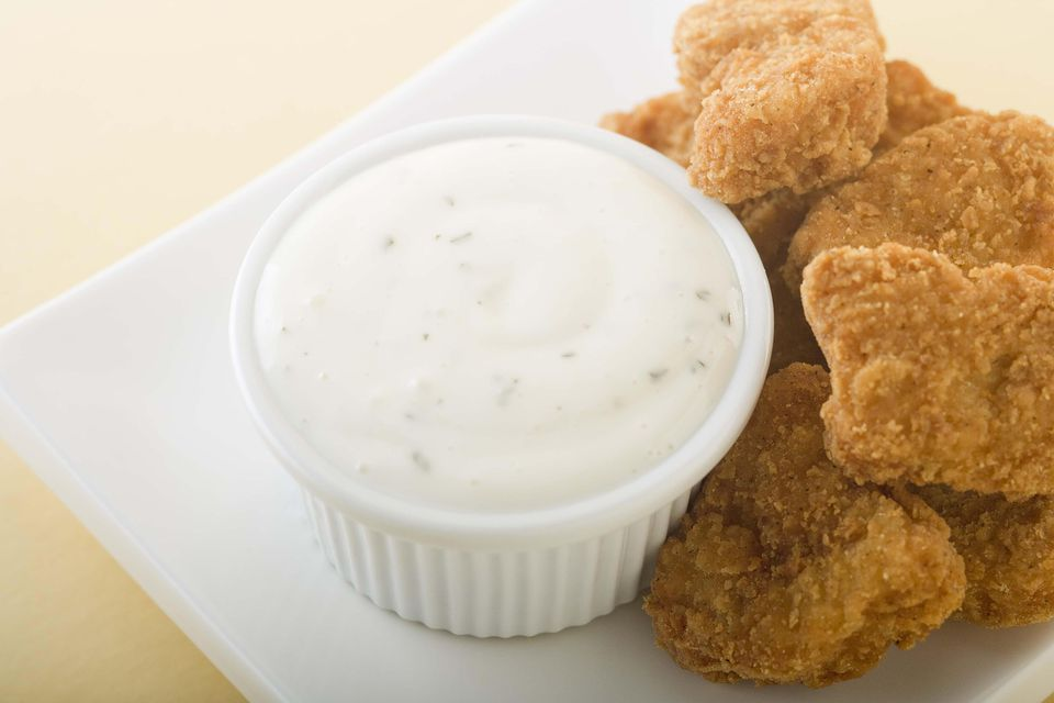 Chicken nuggets and ranch dressing