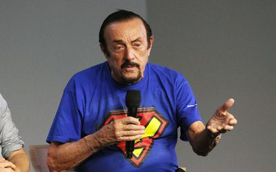 zimbardo's prison study Thirty years later, stanford prison experiment lives on by meredith alexander  psychology professor philip zimbardo's stanford prison experiment of august 1971 quickly became a classic using .